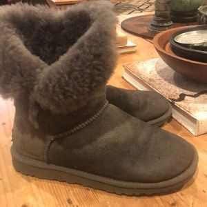 Ugg Boots Bailey Button Grey Size 6 Women's
